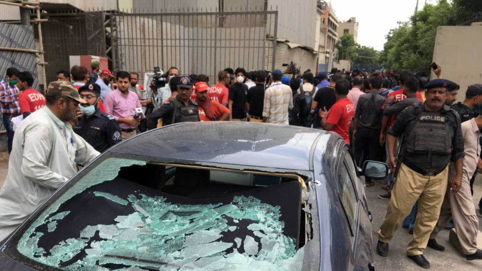 Πακιστάν: Επίθεση με χειροβομβίδες και όπλα στο χρηματιστήριο - Δείτε βίντεο