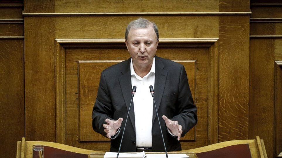 Τα μαζεύει ο Σάκης Παπαδόπουλος: Εννοούσα τον… Άδωνι με τα περί «επηρεασμού της Δικαιοσύνης»