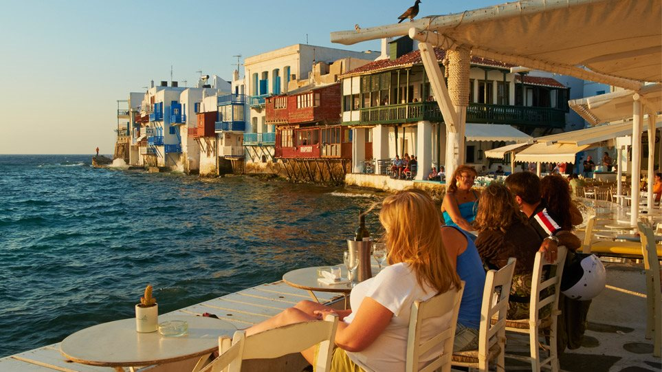 MUKONOS-MAKETA-ARTHROU