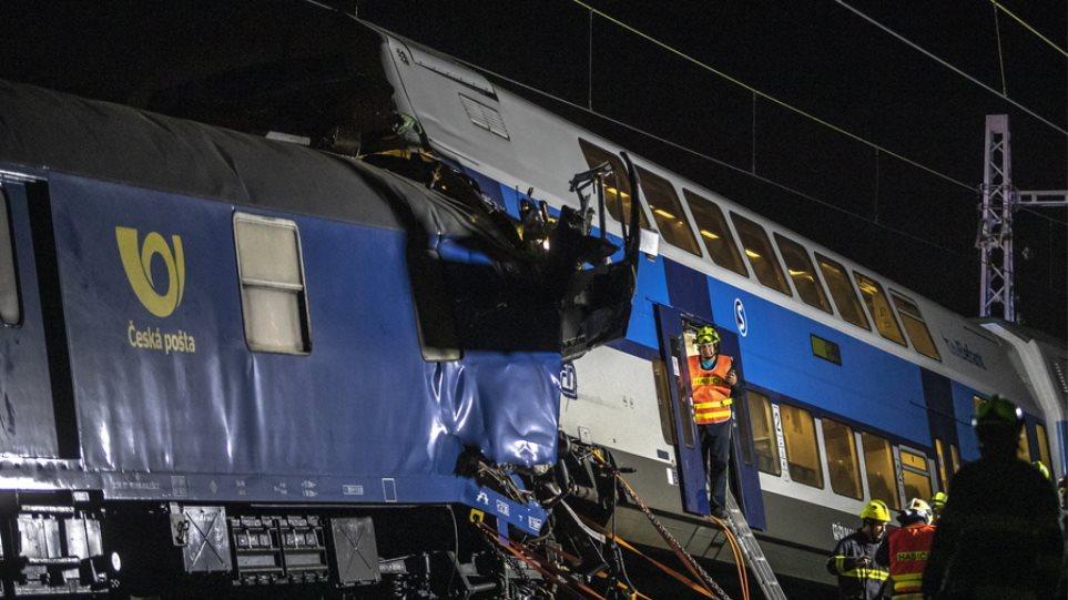 Τσεχία: Δεκάδες τραυματίες από σύγκρουση τρένων