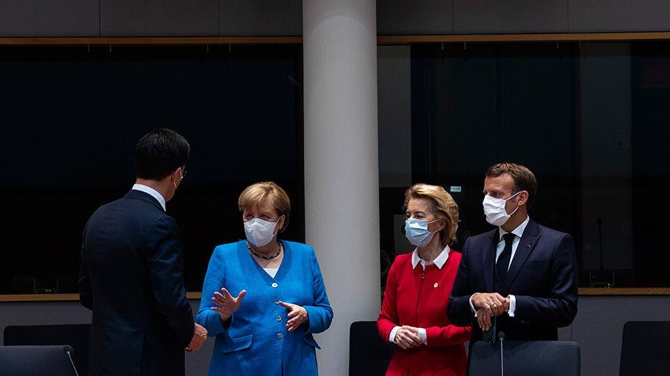 Σύνοδος Κορυφής: Ολονύχτιο θρίλερ στις Βρυξέλλες - Πάνε για τέταρτη μέρα οι διαπραγματεύσεις!