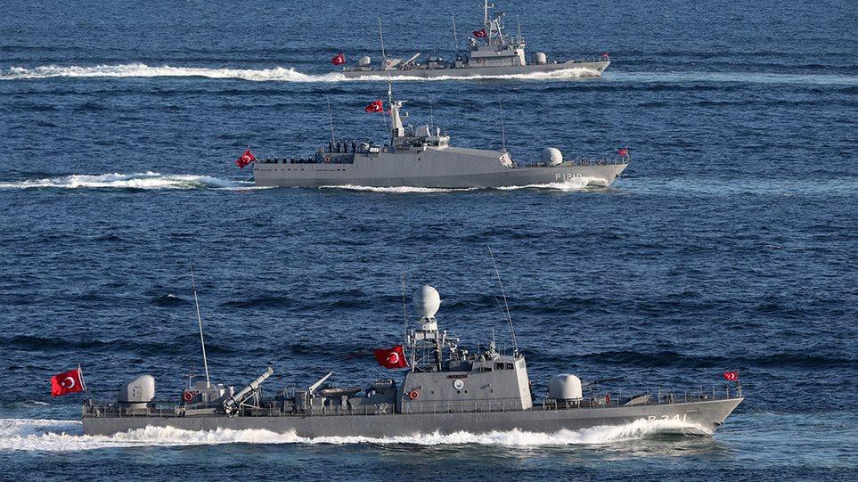 Ενδείξεις αποκλιμάκωσης στο Αιγαίο: Οι Τούρκοι αποσύρουν πλοία και «κατεβάζουν» tweet που μίλαγε για έναρξη ερευνών