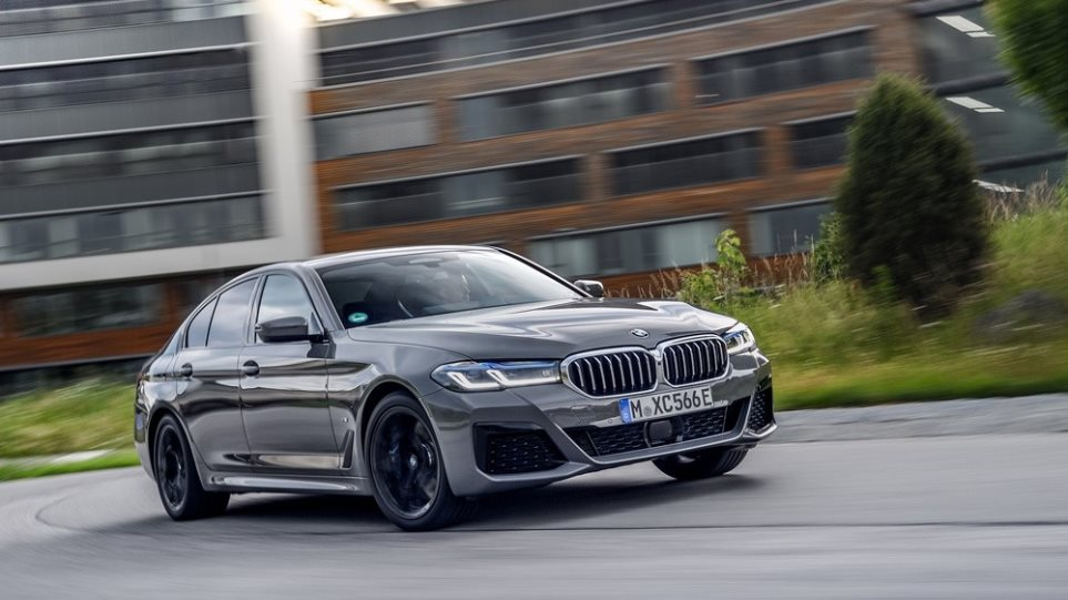 200812123523_BMW-545e-1