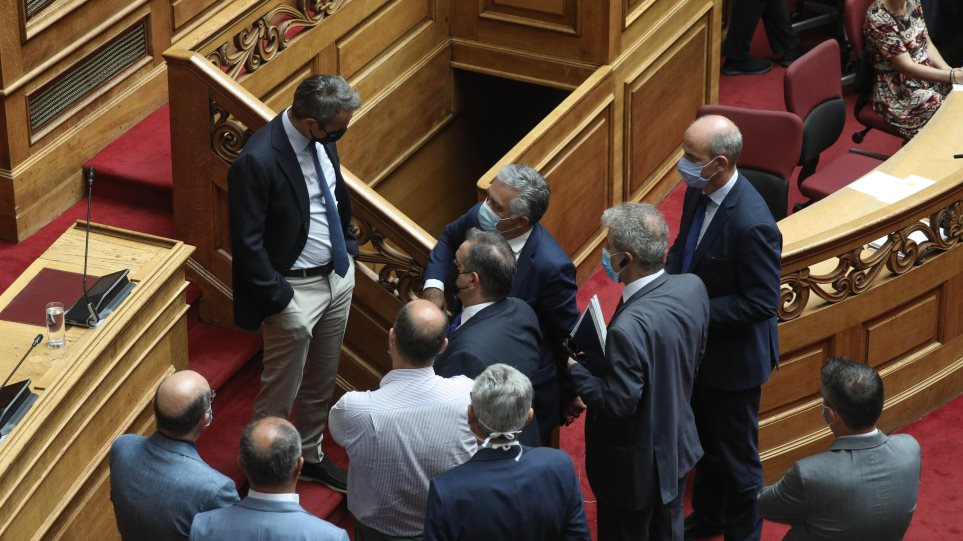 Με 178 «ναι» κυρώθηκε από τη Βουλή η συμφωνία για ΑΟΖ με την Αίγυπτο