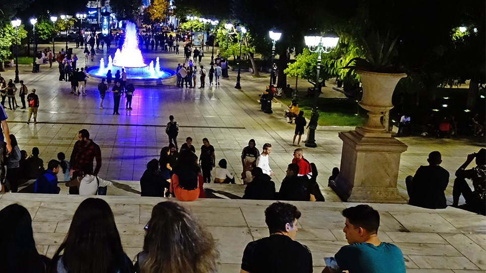 plateia-syntagma-koronoios-arthro