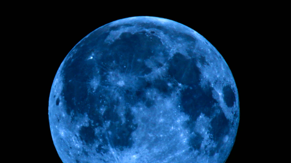 panselinos_blue_moon