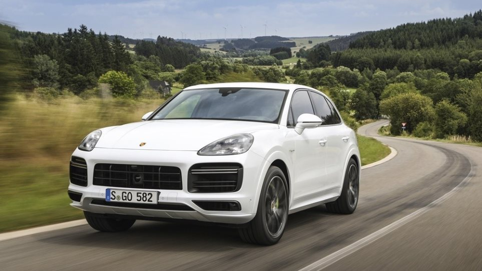 Porsche-Cayenne-Turbo-S-E-Hybrid