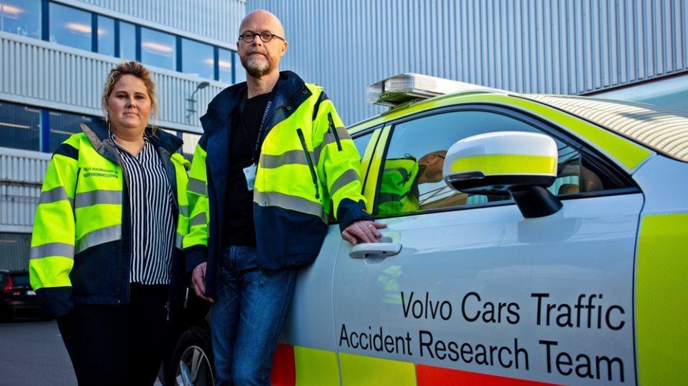 Volvo_50_years_Crash_Scene_Investigators_3