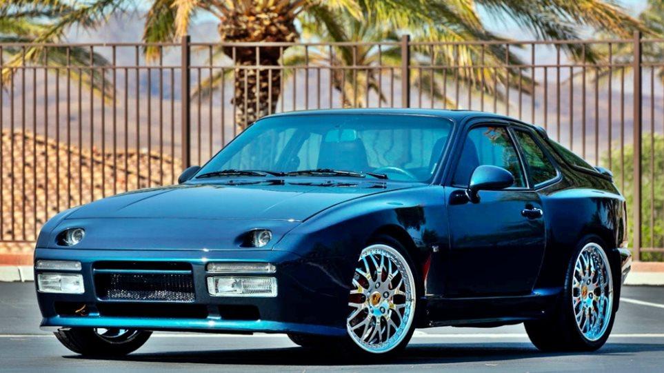 Porsche_944_Turbo_koloba_1
