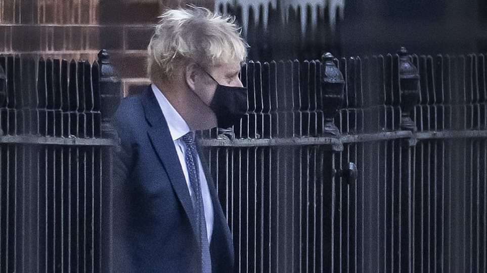 35707452-8951581-Boris_Johnson_pictured_leaving_Downing_Street_on_Friday_has_been-a-130_1605478596430