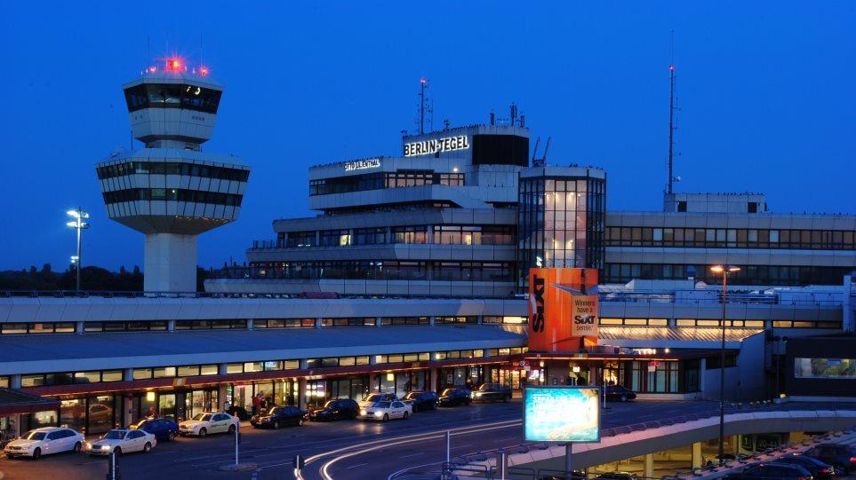 Flughafen_Tegel_Tower_und_Hauptgebaude
