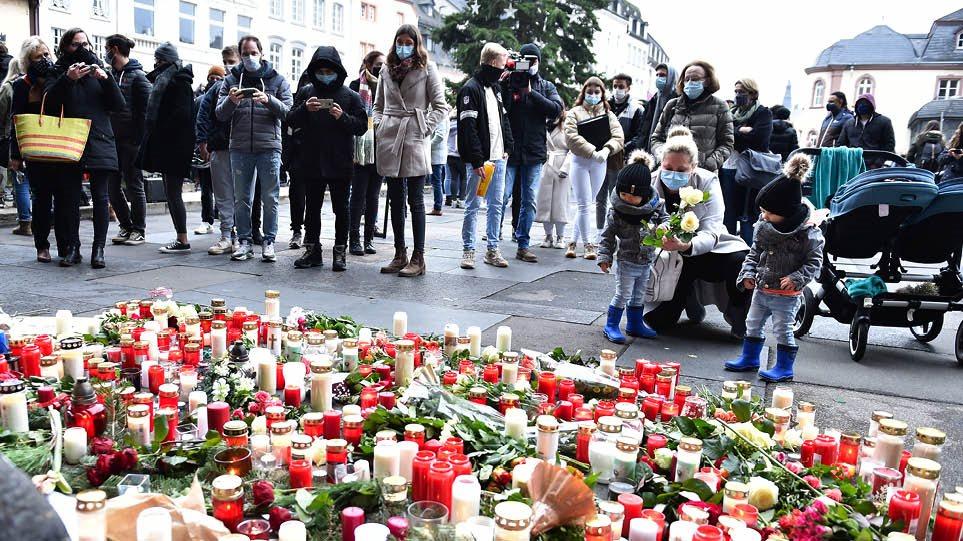 Γερμανία: Ελληνας γιατρός και το 2 μηνών κοριτσάκι του ανάμεσα στα θύματα  στο Τρίερ