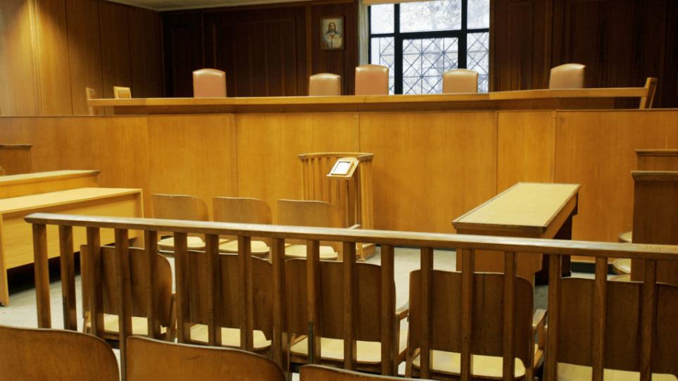 Μετρα-στηριξης-για-τον-κορωνοιο-ζητουν-οι-δικηγοροι
