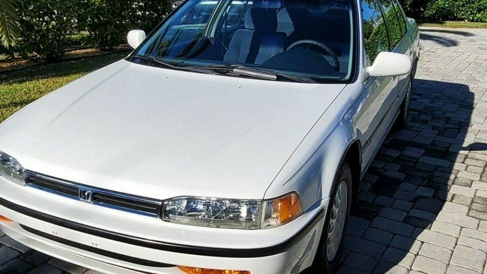 Honda_Accord_1992_like_new_6