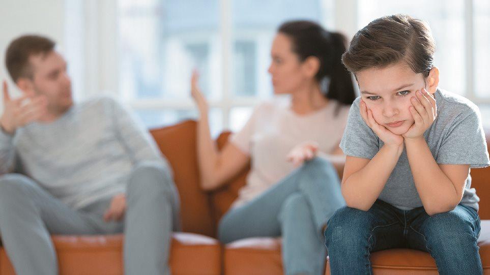 Υπουργείο Δικαιοσύνης: Τι προβλέπει το νομοσχέδιο για την επιμέλεια των ανήλικων παιδιών