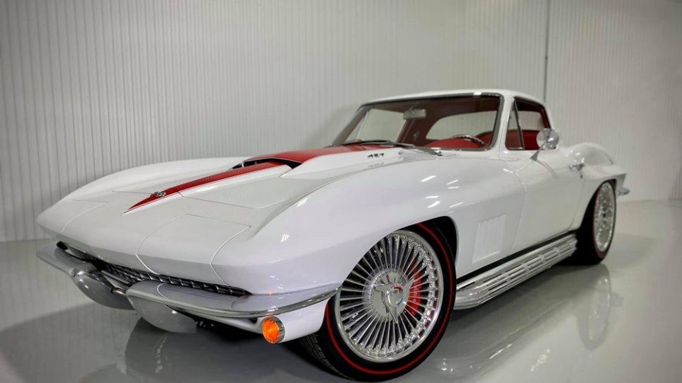 Chevrolet-Corvette_Restomod