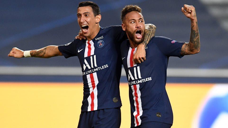 paris-cheering-0