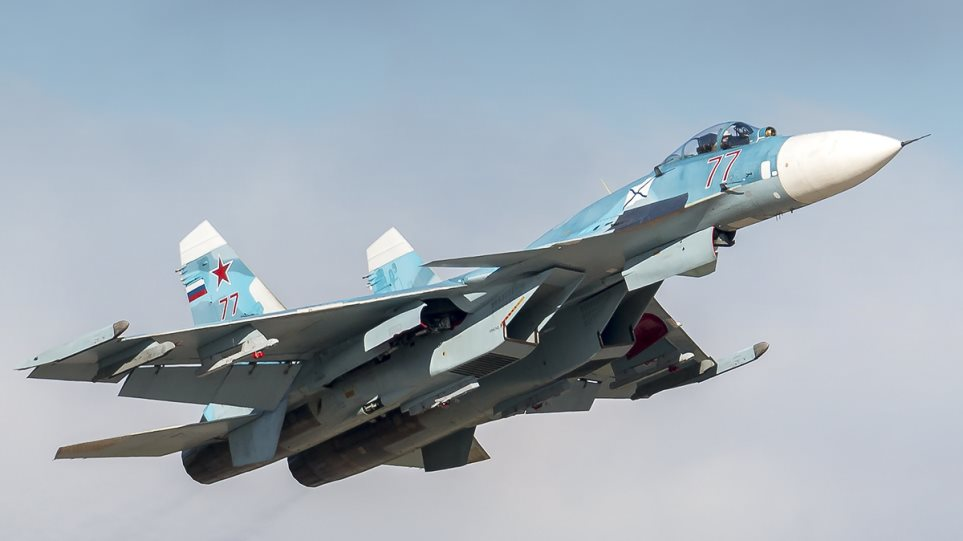 Sukhoi_Su-33_77_RED__30268117476_
