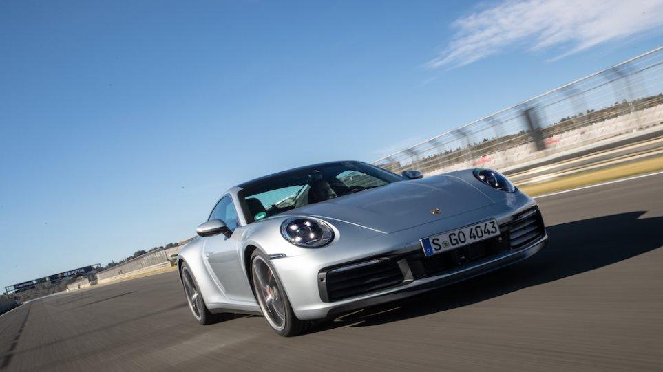 210414113801_Porsche-911-1