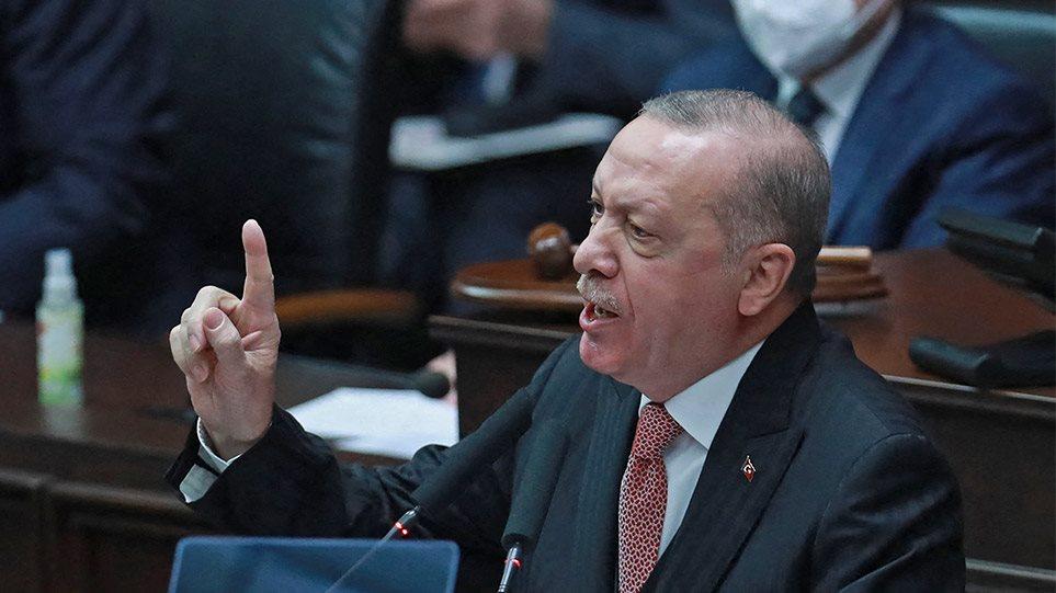 Ερντογάν: «Σεισμός» στην Τουρκία, του είπαν ότι θα καταλήξει στην κρεμάλα «σαν τον Μεντερές»