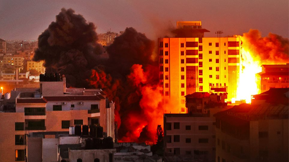 Νύχτα-κόλαση στο Ισραήλ: Κατάσταση «εκτάκτου ανάγκης» στη Λοντ – Εκκενώνονται σπίτια – Δείτε βίντεο και φωτογραφίες