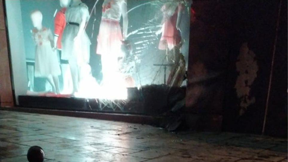 Τυφλό χτύπημα με εμπρηστικούς μηχανισμούς στις επιχειρήσεις της συζύγου του Νίκου Χαρδαλιά