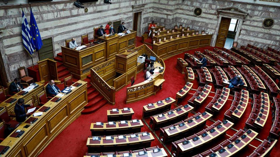 Αρνητικός ο ΣΥΡΙΖΑ για την ψήφο των απόδημων Ελλήνων – Πολιτική σύγκρουση για το νομοσχέδιο