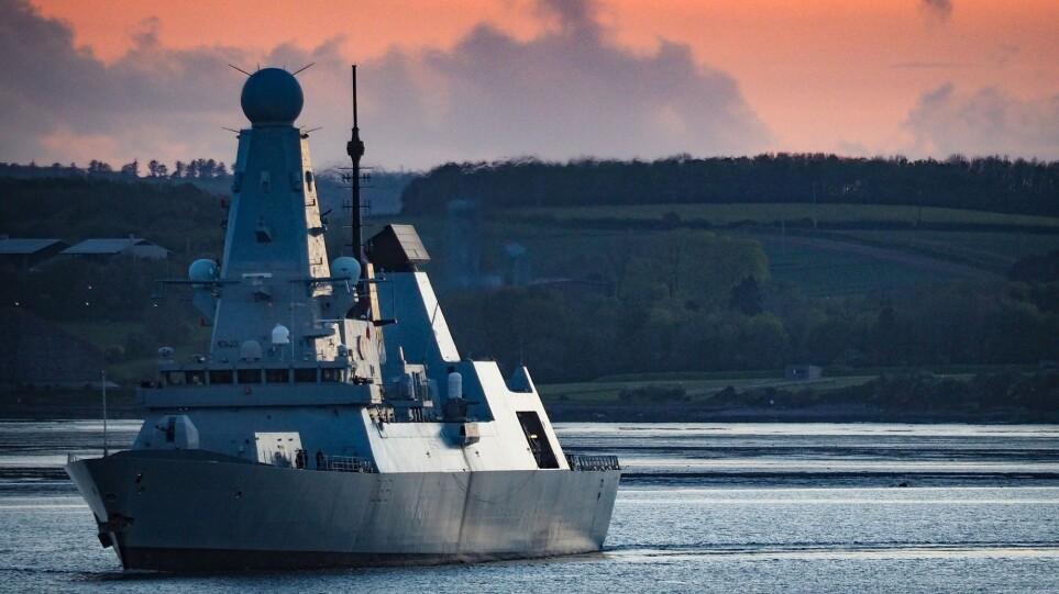 HMS-Defender3