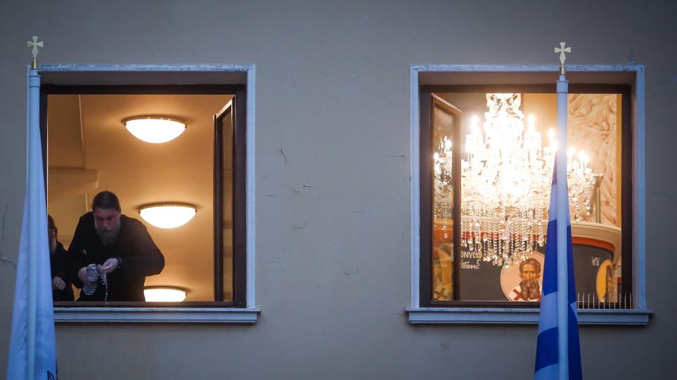 moni-petraki-vitrioli-654