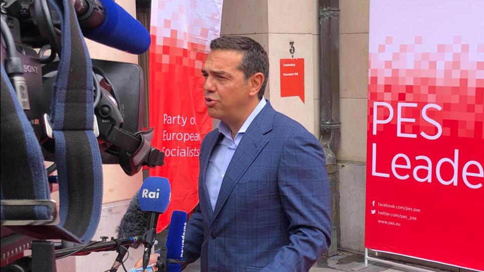 tsipras-vryxelles-756