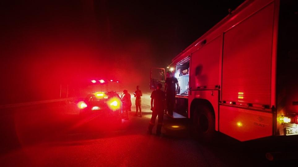 Φωτιά στη Φωκίδα: Εκκενώνεται και ο Τολοφώνας – Μήνυμα του 112