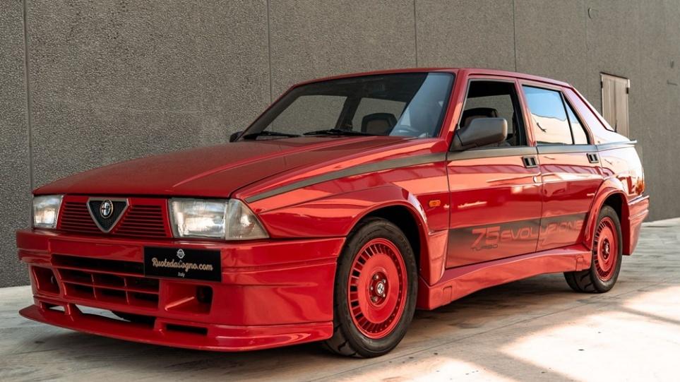 Alfa_Romeo_75_Turbo_Evoluzione
