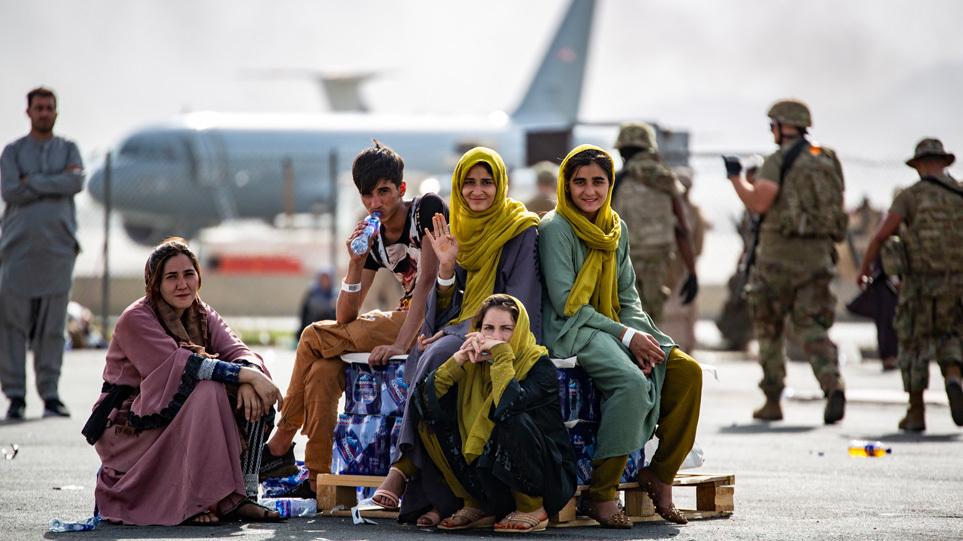 afghanistan_kabul_people_art