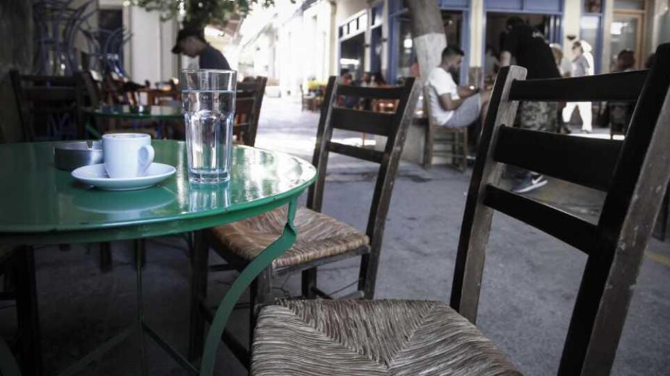 54-plateia-kafeneio