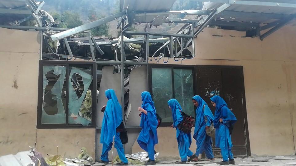 pakistan_bomb_school