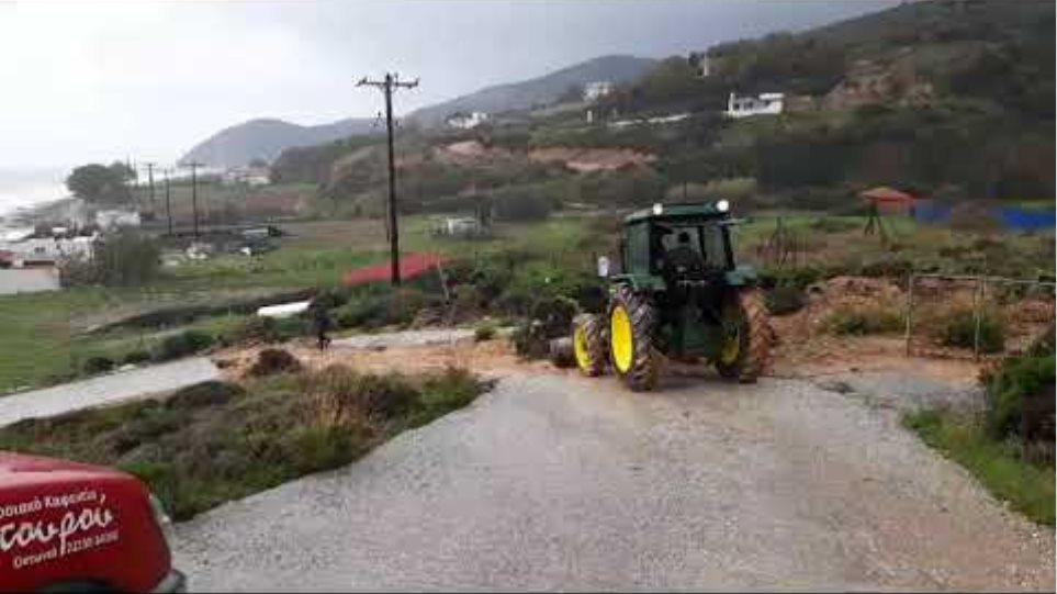 Μεγάλες πλημμύρες και απεγκλωβισμοι κατοίκων