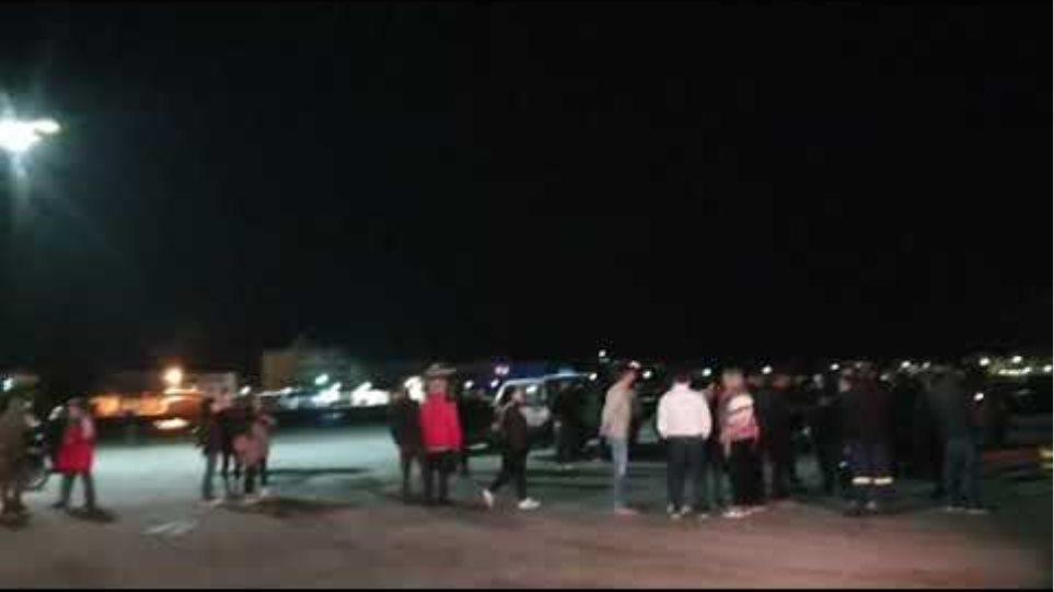 ΜΕΤΑΝΑΣΤΕΥΤΙΚΟ: Στο λιμάνι ο Δήμαρχος Κω και πολίτες για να διαμαρτυρηθούν