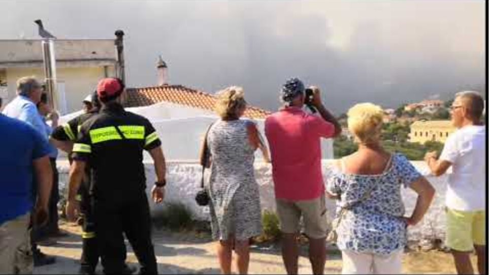 Ζάκυνθος Κέρι - Φωτιά | Συζήτηση για εκκένωση του χωριού