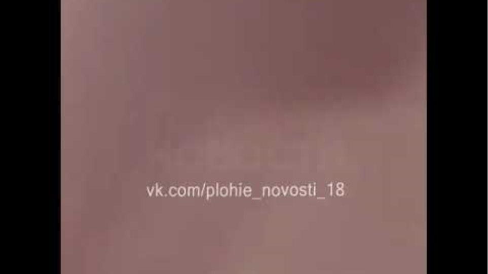 Жуткое видео из салона горящего самолета Суперджет в Шереметьево.