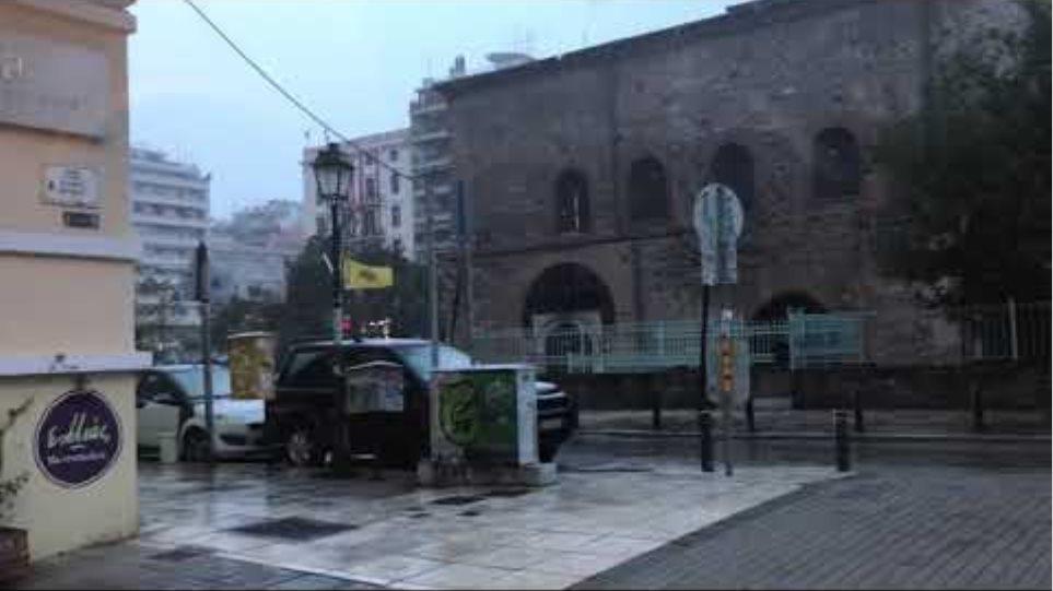 Thestival.gr Χιονίζει στο κέντρο της Θεσσαλονίκης