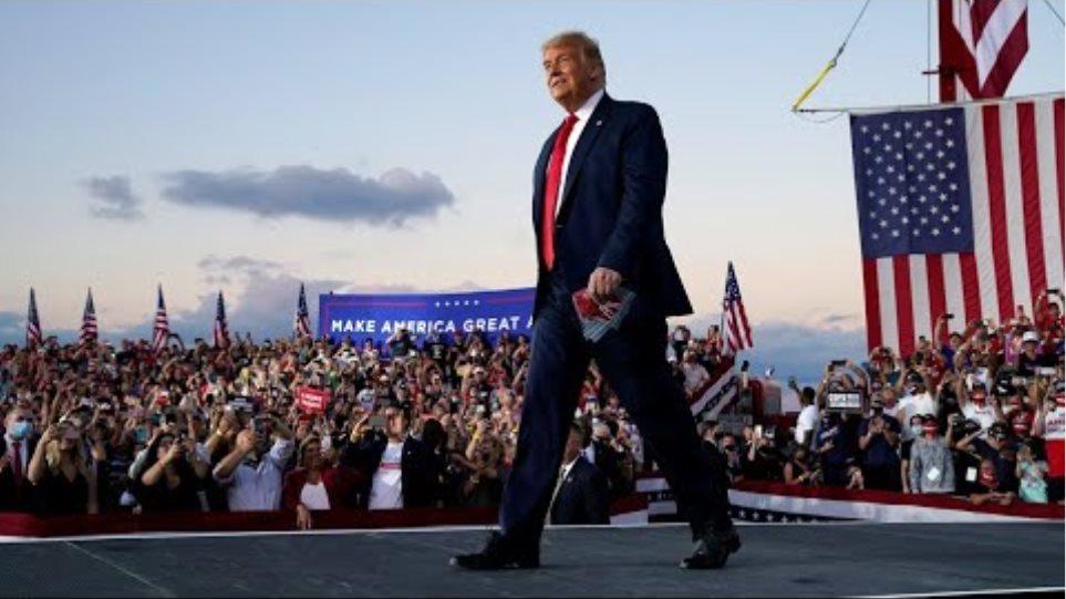 Trump dances to YMCA at Florida rally