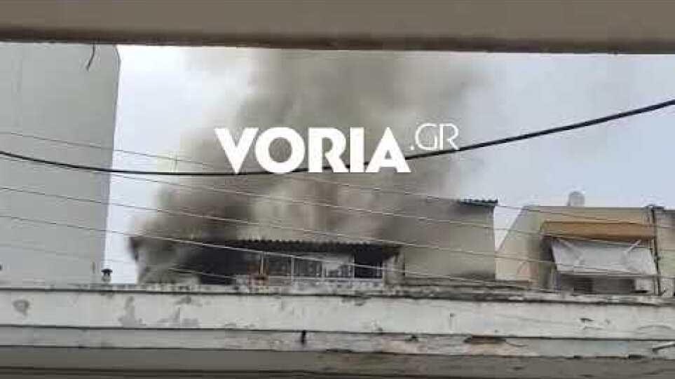 Θεσσαλονίκη: Μεγάλη φωτιά σε διαμέρισμα στη Σταυρούπολη