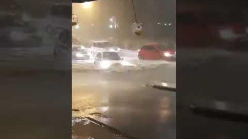 Βυθίζονται αυτοκίνητα στο Ωραιόκαστρο