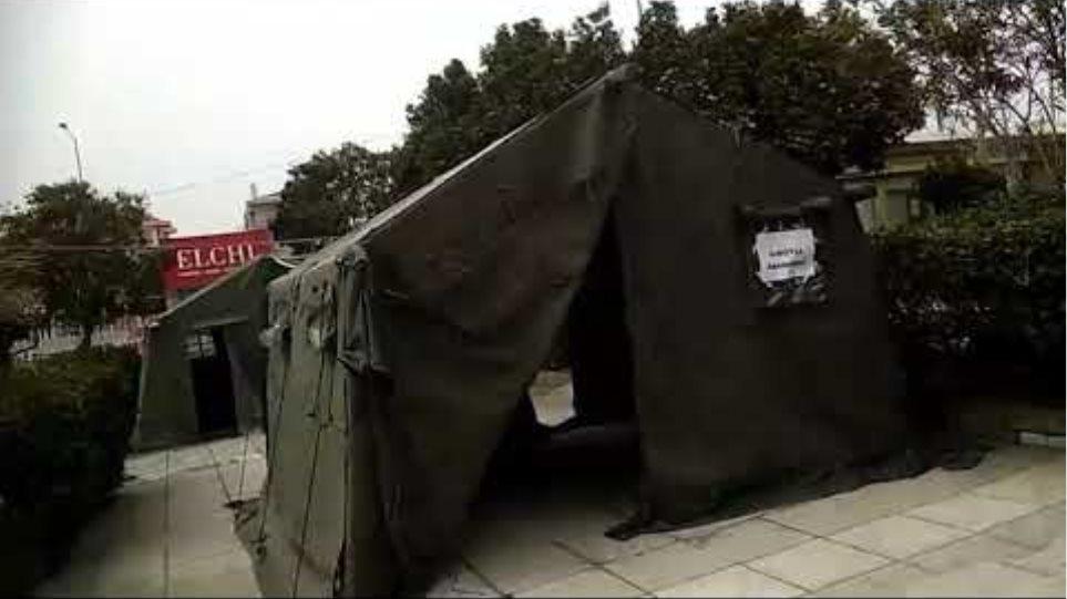Θεσσαλινικη Κορωνοιος: Στήθηκαν οι πρώτες στρατιωτικές σκηνες