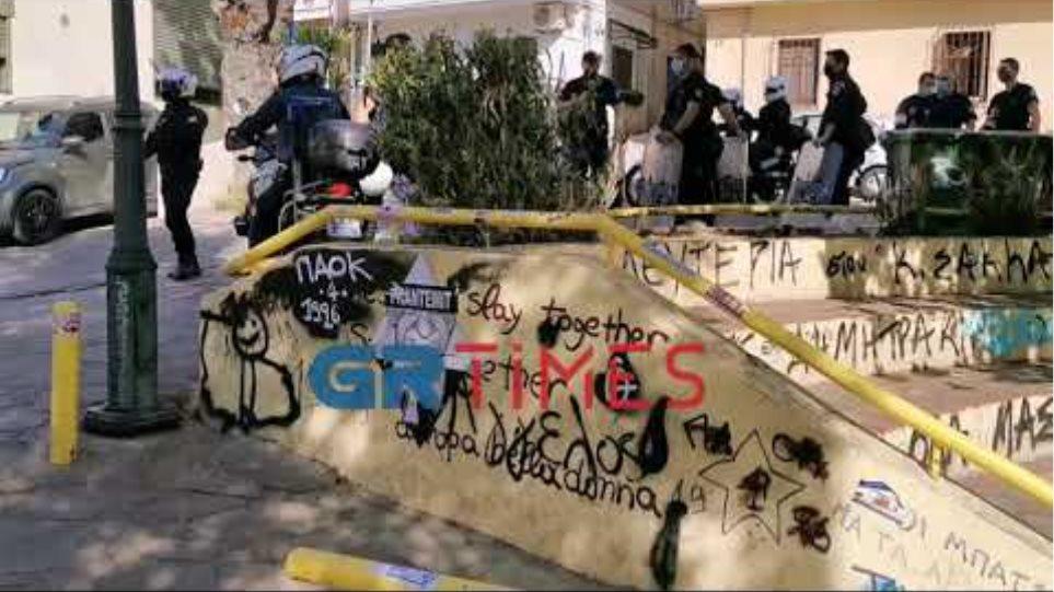 Θεσσαλονίκη - Πλ. Καλλιθέας: Αστυνομική επιχείρηση για αποτροπή συνωστισμου - GRTimes.gr