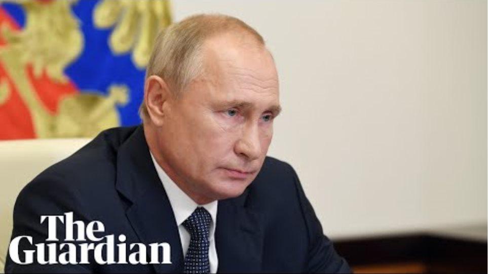 Russia approves Sputnik V coronavirus vaccine despite testing safety concerns