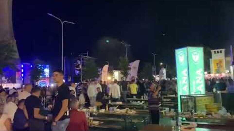 Hidhet gaz lotsjellës në koncertin e Goran Bregoviç në Korçë