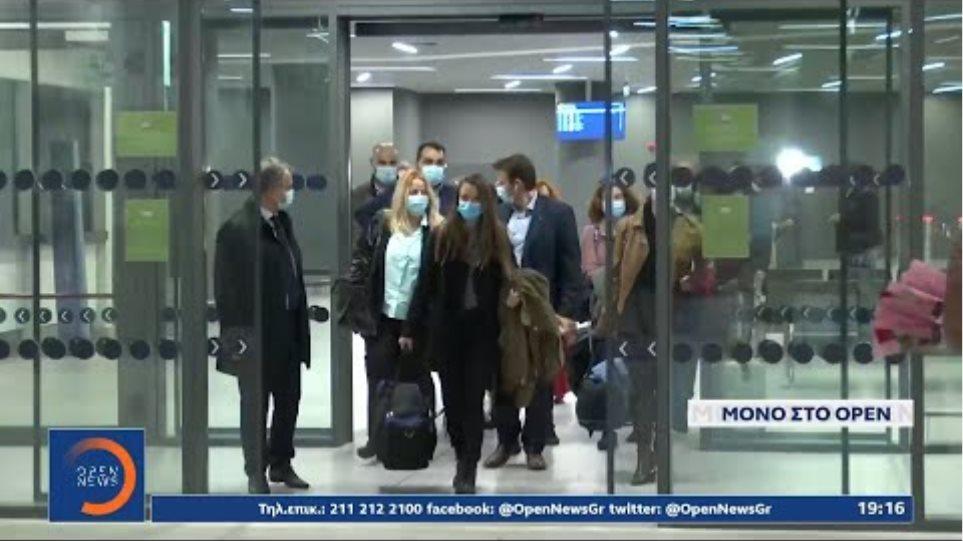 Οι νοσηλεύτριες από την Κρήτη έφτασαν στη Θεσσαλονίκη | Κεντρικό δελτίο ειδήσεων 19/11/20 | OPEN TV