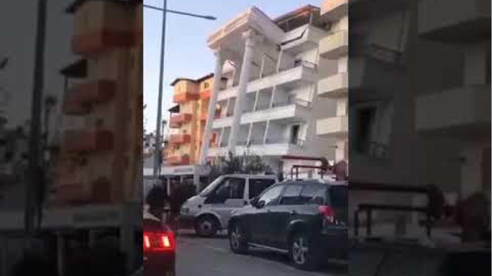 Καταστροφές στην Αλβανία από τα 6,4 Ρίχτερ - GRTimes.gr