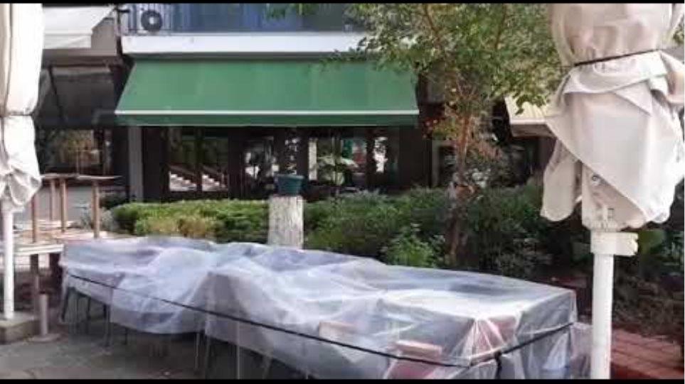 kozan.gr: Eικόνες από το κέντρο της Πτολεμαΐδας με τα κλειστά τα καφέ, εφαρμογής του lock down